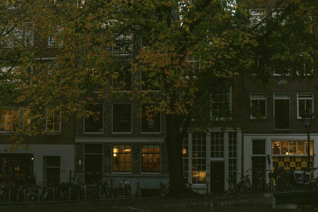 warm autumn colors, center Amsterdam
